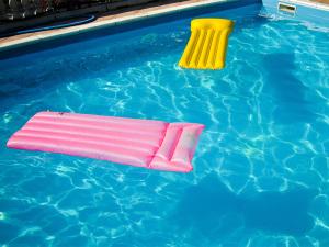 Pool repair by Poolfix